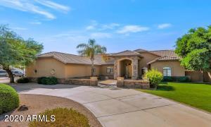 4815 W DESERT HOLLOW Drive, Phoenix, AZ 85083