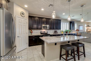 10108 E THATCHER Avenue, Mesa, AZ 85212