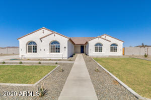 556 W WELD Street, San Tan Valley, AZ 85143