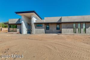 5811 N PALO CRISTI Road, Paradise Valley, AZ 85253