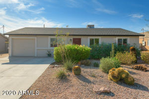 1046 S IRONWOOD Drive, Apache Junction, AZ 85120