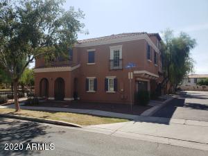 2775 S BALSAM Drive, Gilbert, AZ 85295