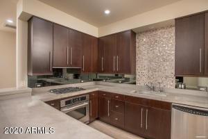 15215 N KIERLAND Boulevard, 309, Scottsdale, AZ 85254
