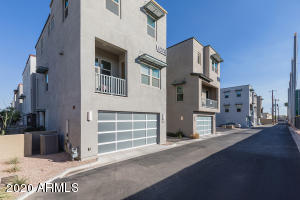 Downtown Scottsdale, Upgraded, Conteporary, near Giants Stadium, 2 car garage, tri-level Public (Primary)