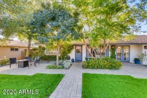 3824 N N 48th Place, Phoenix, AZ 85018