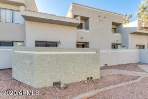 AWESOME Tempe complex great for investor or owner/occupant!
