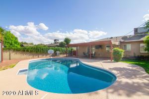 4702 E WINDSOR Avenue, Phoenix, AZ 85008