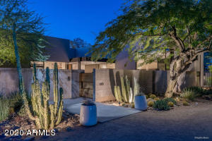 6310 N 47th Place, Paradise Valley, AZ 85253