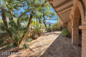 6618 N 48TH Street, Paradise Valley, AZ 85253