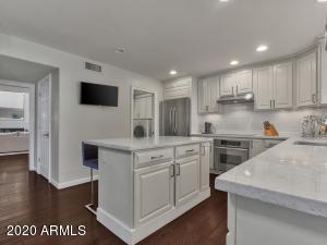 5555 N 73RD Place, Scottsdale, AZ 85250
