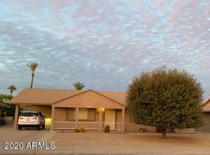 10236 W PINEHURST Drive, Sun City, AZ 85351