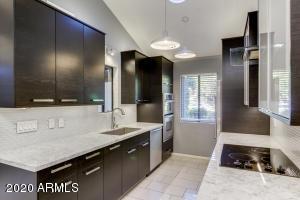 715 E orangewood Avenue, Phoenix, AZ 85020