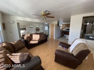 8524 E DEWBERRY Avenue, Mesa, AZ 85208