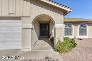 10700 E BECKER Lane, Scottsdale, AZ 85259