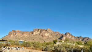 1525 N Sixshooter Road, Apache Junction, AZ 85119
