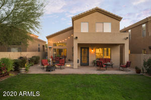 Don't miss your chance to live in this beautiful turnkey home.   Enter the home & appreciate the intentional neutral updates  along with your gas fireplace or indulge in the stunning sunsets.  Perfectly located on a cul-de-sac for extra privacy & surrounded by the desert wash.  Close to Desert Ridge, High Street, 101, 51, & so much more!Schedule your showing today!