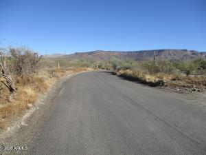 2.09 acres N Fig Springs Road, 1, New River, AZ 85087