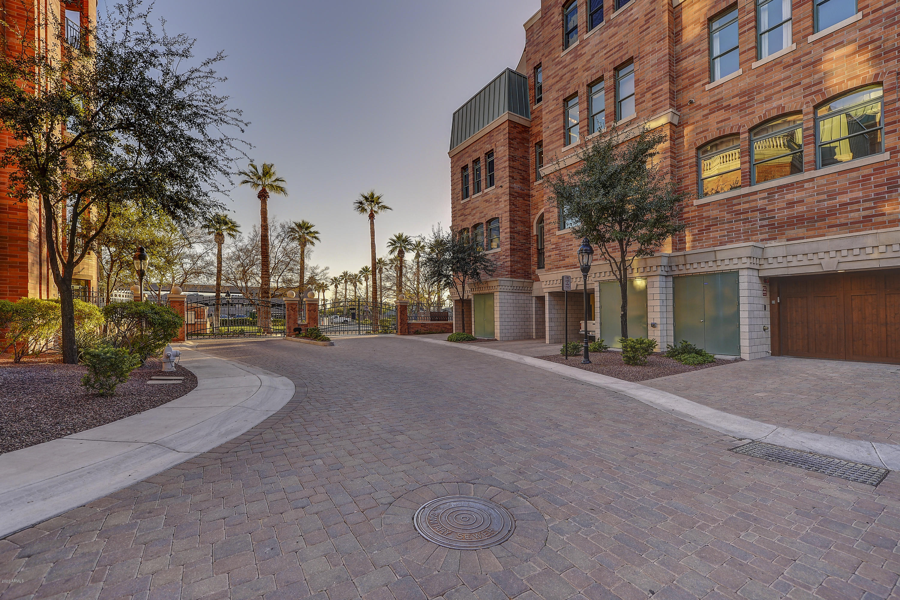 Chateau On Central Luxury Condo S For Sale Rent In Phoenix 2017