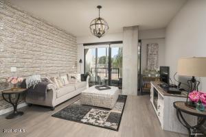 2300 E CAMPBELL Avenue, 227, Phoenix, AZ 85016