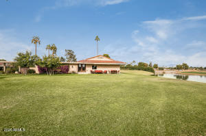 Private corner end location 180 degree views of Rancho Lake & McCormick Ranch golf course.