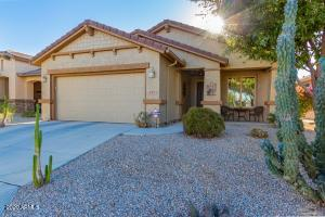697 W TWIN PEAKS Parkway, San Tan Valley, AZ 85143