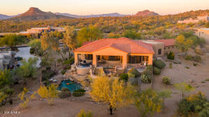 Welcome to this custom home on .97 acre lot. Brown's Mountain and Pinnacle Peak in view!