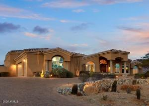 Beautiful home in one of the best kept secret neighborhoods in north Scottsdale!