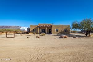 47527 N NEW RIVER Road, New River, AZ 85087