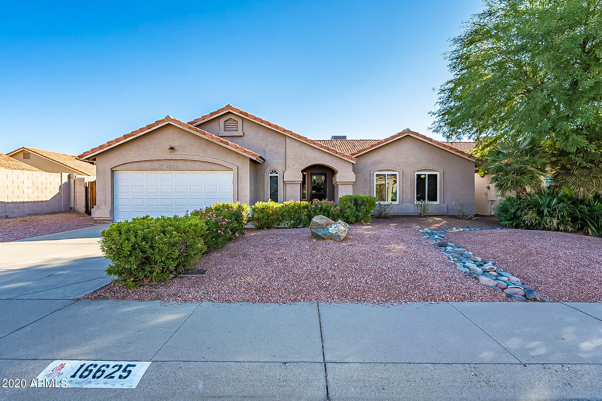 Property for sale at 16625 S 42nd Street, Phoenix,  Arizona 85048