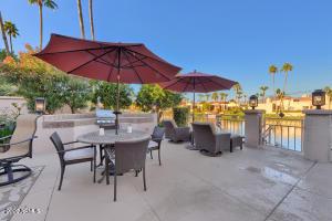 10104 E TOPAZ Drive, Scottsdale, AZ 85258