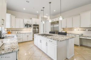 3976 E EXPEDITION Way, Phoenix, AZ 85050