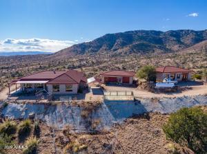 6411 W Copper Belle Road, Elfrida, AZ 85610
