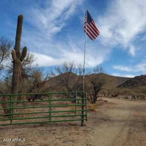 7250 SANTA MARIA RIVER Road, Hillside, AZ 86301