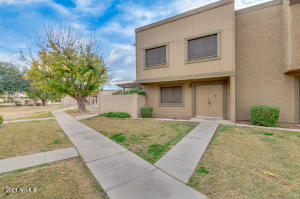 1011 E REDFIELD Road, Tempe, AZ 85283