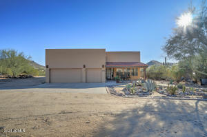 44421 N 12TH Street, New River, AZ 85087