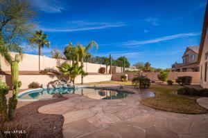 9760 E Greenway Street, Mesa, AZ 85207