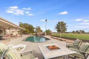10013 W PINEAIRE Drive, Sun City, AZ 85351