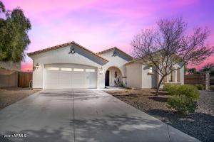 6251 S BANNING Street, Gilbert, AZ 85298