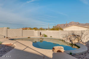 2443 E 2ND Avenue, Apache Junction, AZ 85119