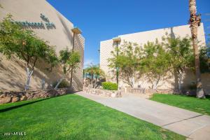 334 W MEDLOCK Drive, C202, Phoenix, AZ 85013