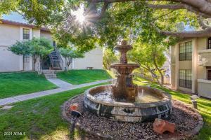 7557 N DREAMY DRAW Drive, 228, Phoenix, AZ 85020