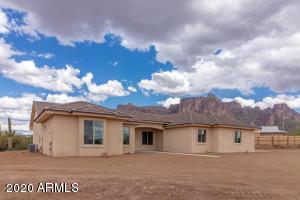 992 W Lucky Lane, Queen Creek, AZ 85142