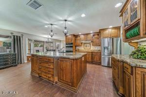 Exquisite $50,000 renovated kitchen!