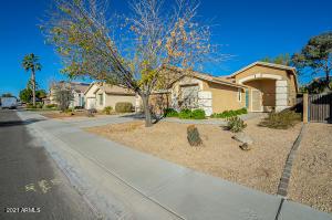 8974 W RUNION Drive, Peoria, AZ 85382