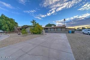 4826 W DESERT HILLS Drive, Glendale, AZ 85304