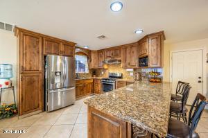 5917 W COOLIDGE Street, Phoenix, AZ 85033