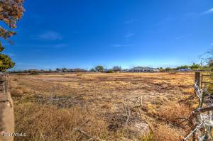 3351 S EAGLE Drive, -, Chandler, AZ 85286