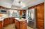Kitchen w/updated appliances