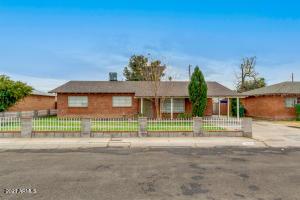 4045 W BERRIDGE Lane, Phoenix, AZ 85019
