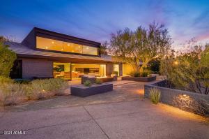5347 E PALOMINO Road, Phoenix, AZ 85018